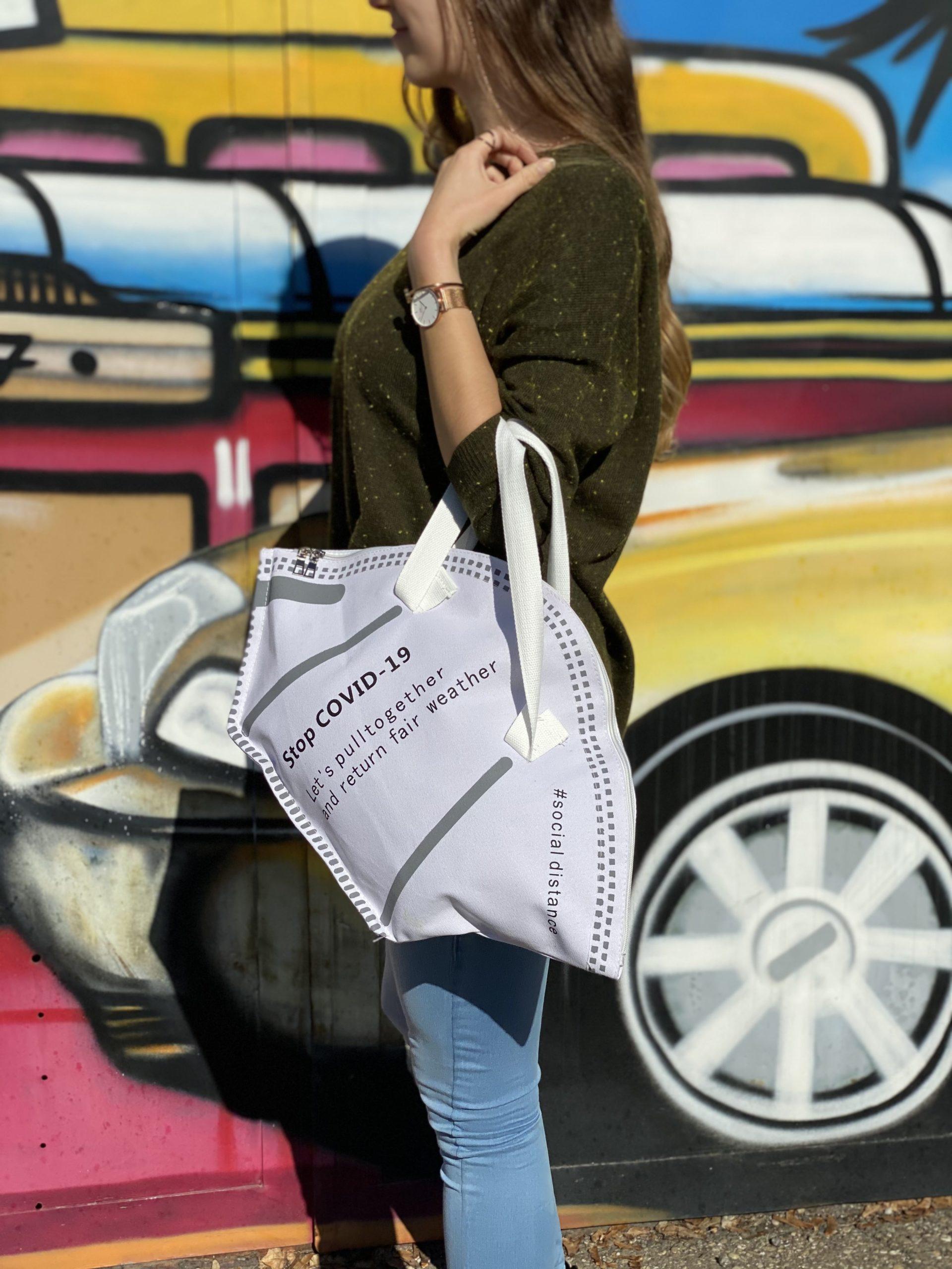 Schraege FFP2 Handtasche zum Einkaufen oder Shoppen